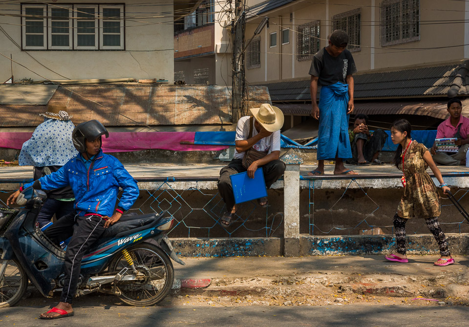 Street photograph near the border of Thailand and Myanmar (Burma). Photo by Jim Newberry.