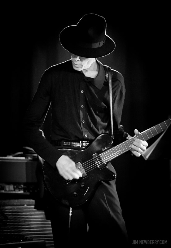 Jandek performing live at Chicago's Empty Bottle in 2006